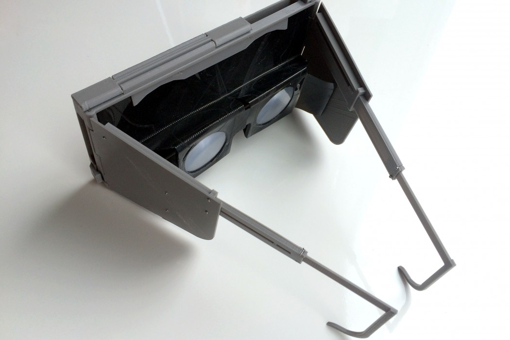 PINCH-VR-Virtual-Reality-Headset